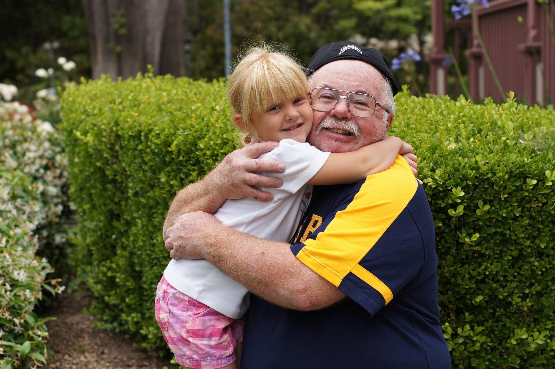 Bambini e Alzheimer – 5 consigli utili per spiegare ai bambini la malattia del proprio caro.