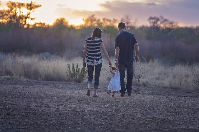La crescita di un figlio: Equilibrio tra sostegno e autonomia